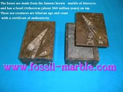boites fossiles marbre rue de ourika (14) (crafts street ourika marrakecj jamaa lafna) Tags: de marrakech rue ourika artisanat jamaa lafna