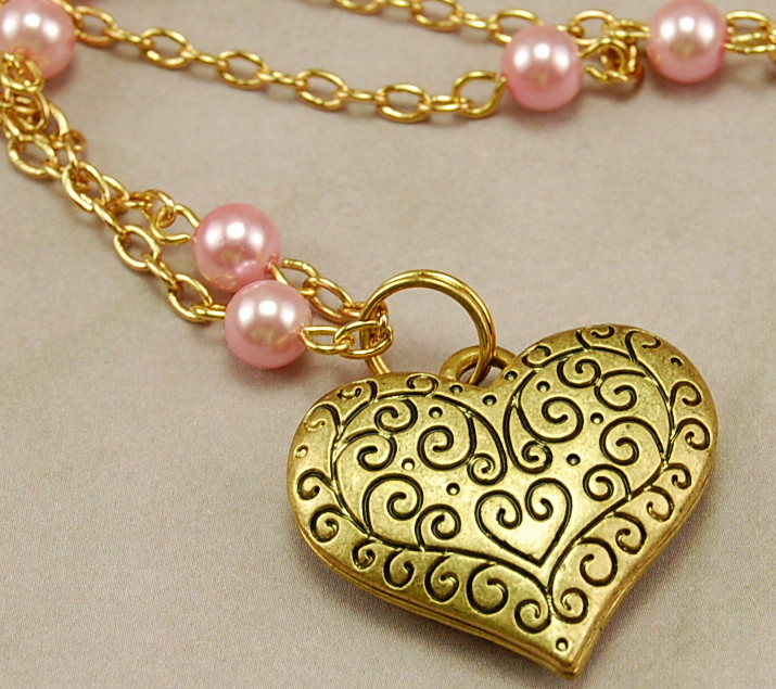 Gold Heart Filigree Necklace