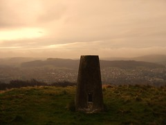 Dull day above Buxton. (Steven Ruffles) Tags: rain buxton day cloudy hill pillar dull trig trigpoints corber