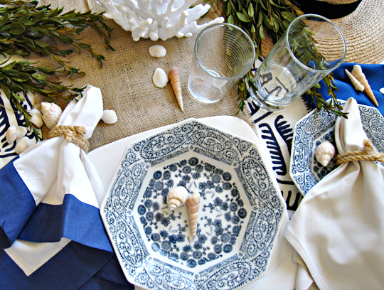 beachy table decor+rope napkin holders+blue and white table setting+diy ideas