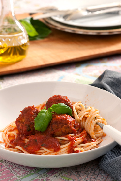 :: Catherine Fulvio's Meatballs in Spicy Tomato Sauce