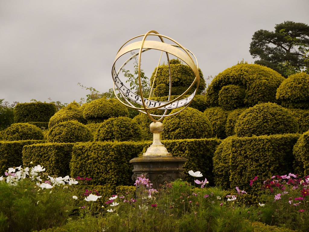 The World\'s Best Photos of armillary and sundial - Flickr Hive Mind