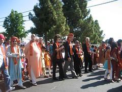 Nonviolence Parade05_thumb