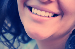 (DeLaRam.) Tags: light smile hair edited explore هـــــواراازمـنبگیــــــرخنـــــدهاترانـــــــــه