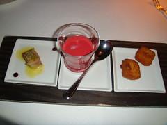 Cabeza de jabali, gazpacho de remolacha y croquetas de ave