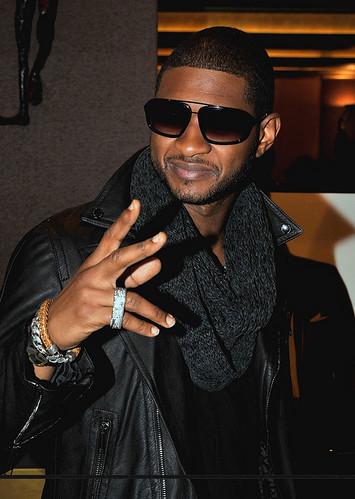 Usher ft. Pitbull – DJ Got Us Falling In Love Again