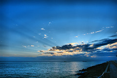 vista desde el Puerto (Jocarlo) Tags: sunset sun sol clouds paisaje amanecer nubes photowalk melilla puertodemelilla pwmelilla jocarlo
