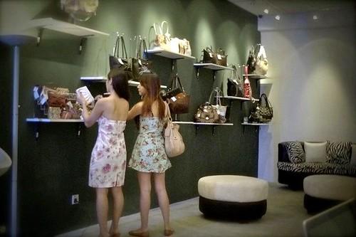 LuxOnU Puchong - Rebecca Saw, Hanie Hidayah