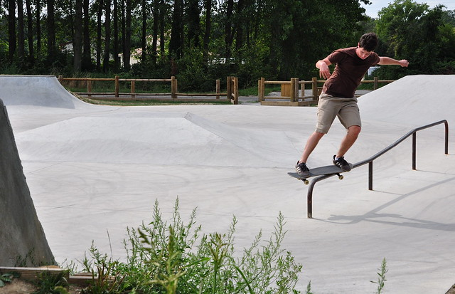 Backside feeble grind, Chanas.