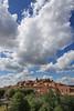 Provence, ville de Roussillon (Calinore) Tags: street city france architecture paca provence rue roussillon ville ocres lubéron historiccitycenter hccity centrevillehistorique selectionneespargetty