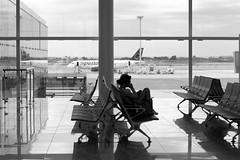 i just call... (tempesta) Tags: barcelona bw españa girl mobile airport spain call bcn cell aeroporto bn cellulare calling aeropuerto barcellona spagna ragazza llobregat elprat chiamata