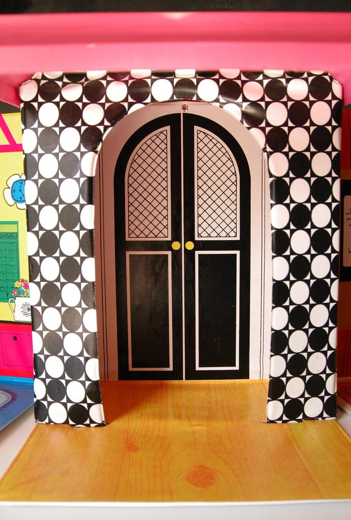 Vintage Groovy 1968 Barbie Family Doll House