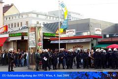 EU-Schlusskundgebung der FP (27) (| Ehrfurcht und Liebe |) Tags: wien demonstration polizei slp fp hcstrache 10bezirk 04062009 wienerkomdie victoradlerplatz