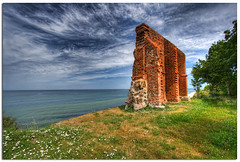 Trzsacz (Mariusz Petelicki) Tags: ruins polska hdr morze batyk ruiny 3xp wybrzee trzsacz mariuszpetelicki