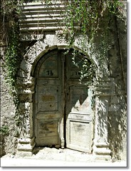 Door in the old town of Rethymnon (Eleanna Kounoupa (Melissa)) Tags: doors greece crete oldtown rethymnon   hccity