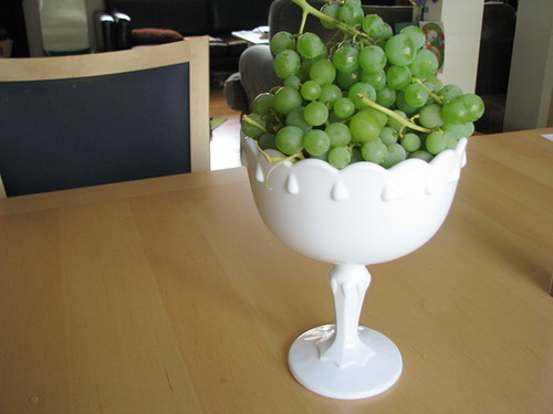 new bowl with grapes