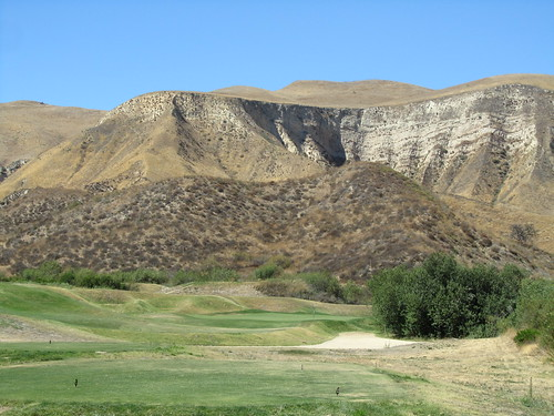 Seventh hole at Lost Canyons Golf - Simi Valley CA