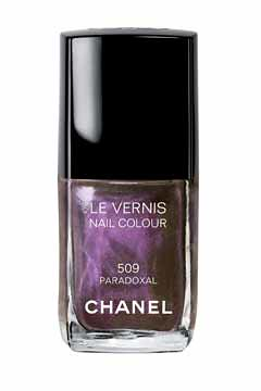 chanel-nail-colour-in-paradoxal.jpg