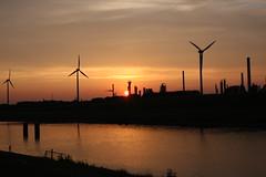 let's make up our minds (grwsh.marcel) Tags: sunset orange sun industry canon zonsondergang industrial industrie zon oranje industrieel europoort petrochemical 40d canon40d petrochemisch