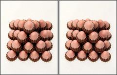 IMG_4981  (crosseye 3D) (yoshing_BT) Tags: stereophotography 3d crosseye crosseyed pyramid chocolate stereoview stereograph  crossview  corsseye  corsseye3d