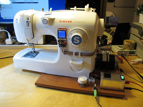 Sewing machine with LCD and Wheel