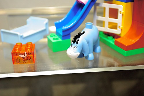 LEGO Toy Fair 2011 - Duplo - 5947 Winnie's House - 03