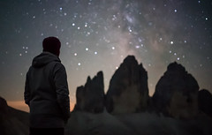 Behind the Stars (Bastian.K) Tags: sterne italien milky way milkymway italy dolomites venetia venetien drei zinnen 3 three spires auronzo rifugio locatelli sony a7s a7sii ilce7s voigtlander vm 35mm 17 asph aspherical ultron 5m pcx plano convex filter natural night nisi didymium light pollution rock rocks formation milch strase strasse milchtrase milchstrasse long exposure high iso panorama panoramic