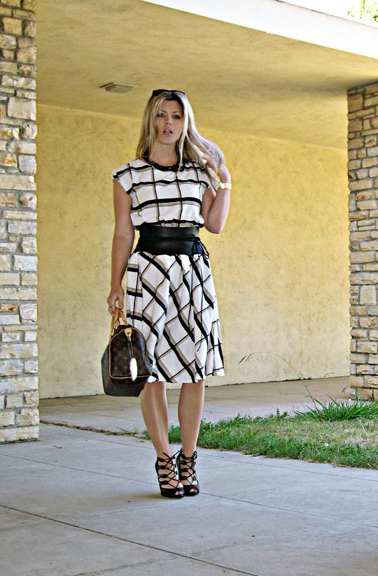 vintage day dress+lady dress+louis vuitton bag+wide leather obi wrap belt+lace up shoes