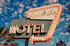 Silver Saddle Motel (TooMuchFire) Tags: signs typography neon type typeface neonsigns motels lightroom northhollywood oldsigns fauxvintage vintagesigns lankershimblvd vintagesignage oldmotels oldneonsigns silversaddle silversaddlemotel