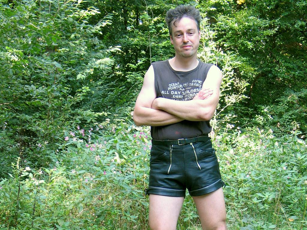 free gay crossdress macho