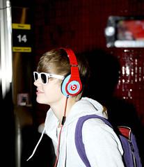 (Nikki Muoz) Tags: justin red 3 love sunglasses rojo heart amor iloveyou lentes corazon rayban  bieber teamo justinbieber