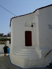 Lento e meridiano (Borbuletachiara) Tags: summer travelling donna estate blu streetphotography chiesa greece grecia azzurro bianco rodi rhodos anziana entroterra arhangelos