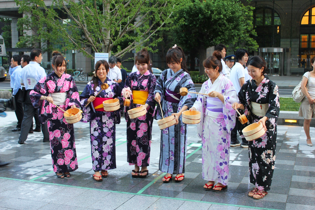Uchimizu event in Marunouchi (7)