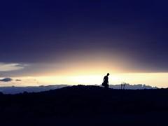 Annimo. (Meum sidus nitidius) Tags: sunset sun sol atardecer person persona figure silueta anonymous annimo