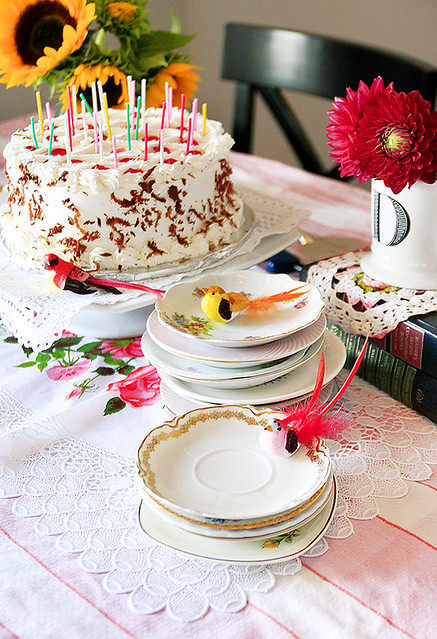 vintage tea plates + cake = bliss