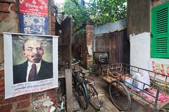Que faire ? (hubertguyon) Tags: street lenin sleep siesta rue calcutta inde quartier sieste lénine kolkota dormier kumartuli bengaleoccidental