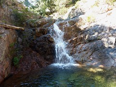 Entre la triple vasque-cascade et la confluence Calva : cascade