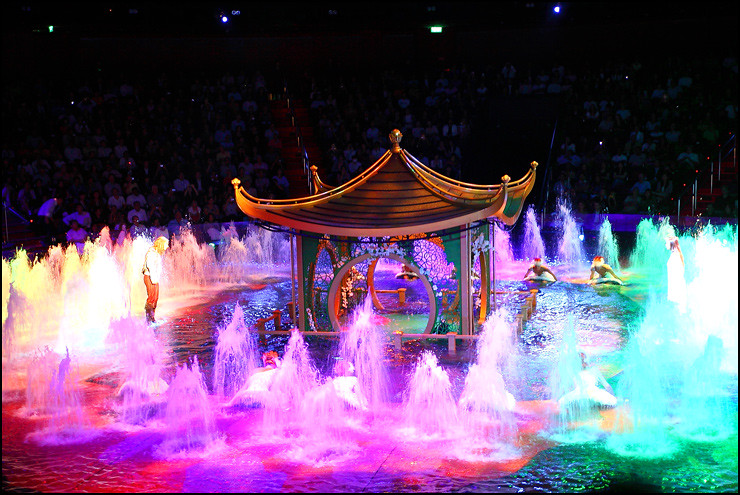 chinese-pavilion-water-show