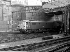 Birmingham New Sreet Station 13th October 1974 (loose_grip_99) Tags: uk railroad england station electric train 1974 blackwhite birmingham br noiretblanc engine railway trains locomotive railways britishrail newstreet midlands britishrailways class87 87013
