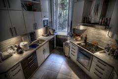 virtuves dizainas apsvietimas