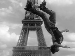 340 JUMPERZ (. ADRIEN .) Tags: paris jump skate toureiffel roller trocadero saut 340jumperz
