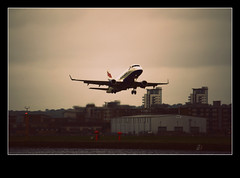216 of 365 (Lil.angelz.dream) Tags: city water plane canon eos is airport 365 zone day216 project365 450d 55250mm mishphotography