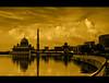 371 - By The Lake... (@ris_@bdullah ) Tags: putrajayamosque putrajayamosqueimage