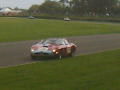 Gounon stops on wind -down lap to pick up Bobby Rahal (74Mex) Tags: jean atmosphere ferrari marc bobby tt goodwood 250 2010 revival rahal gounon gto64