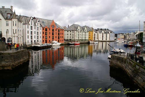 """Alesund • <a style=""""font-size:0.8em;"""" href=""""http://www.flickr.com/photos/26679841@N00/5031243282/"""" target=""""_blank"""">View on Flickr</a>"""