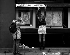 ....ENRICO.... (wojofoto) Tags: amsterdam streetshot vijzelstraat fotograaf stadsarchief straatfoto dimex wojofoto enricoditommaso