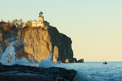 Late Afternoon Sun At Split Rock Lighthouse (pmarkham) Tags: usa lighthouse northshore mn lakesuperior splitrocklighthouse minnesotahistoricalsociety