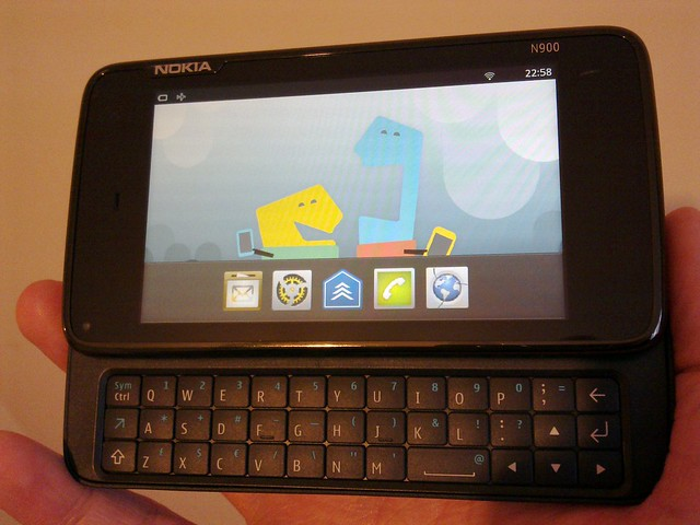 MeeGo handset UI running on the N900