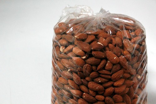 3 kg bag of almonds