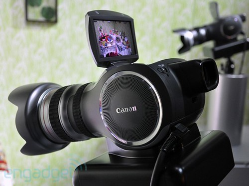 canon-mp-4k-concept-hands-rm-eng